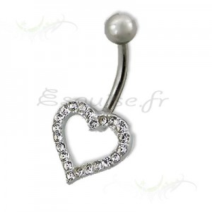 Piercing nombril coeur douceur